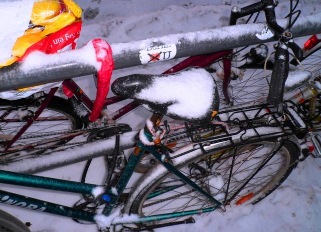 Berlin-Fahrraeder-Winter